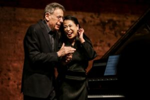 Maki Namekawa and Philip Glass after the premiere of the Piano Sonata © Klavier-Festival Ruhr / Sven Lorenz